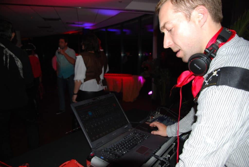 animation DJ party