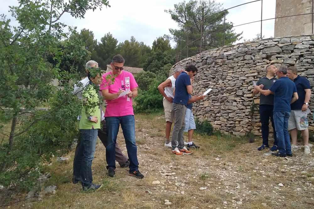 groupe en étape rallye avec Activ Provence