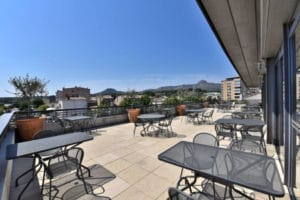 hotel-rooftop-provence